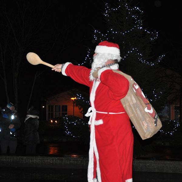 Juletræ på Blangstedgård blev tændt